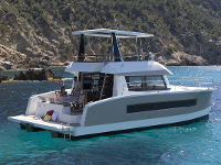 Motor catamaran Fountaine Pajot MY 37