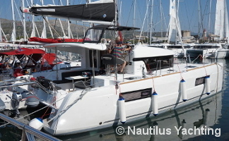 Lagoon 40 special offer 9
