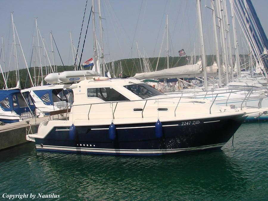 Vektor 950 for Motor yacht charter croatia