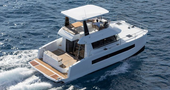 Catamarano a motore Fountaine Pajot MY 37