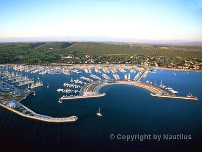 Yacht charter in croazia adriana 44 noleggio barche for Cabine vicino a fairplay co