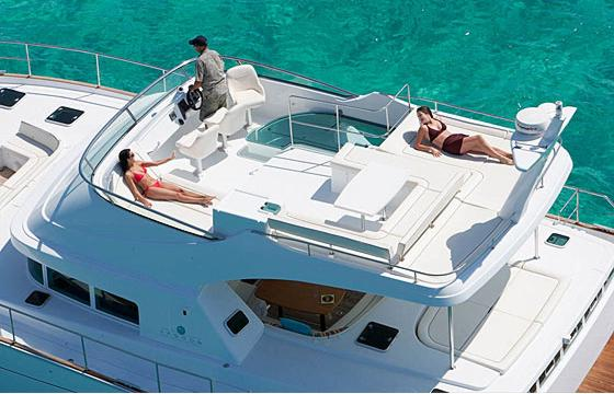 Lagoon Power 44 Flybridge ...