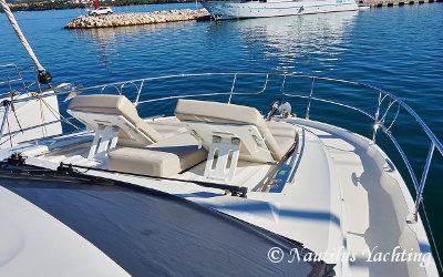 Prestige 520 Fly - Bow with large sun pad
